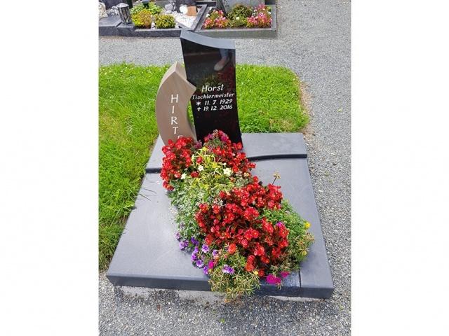 Mühlbrecht Urnengrab 18
